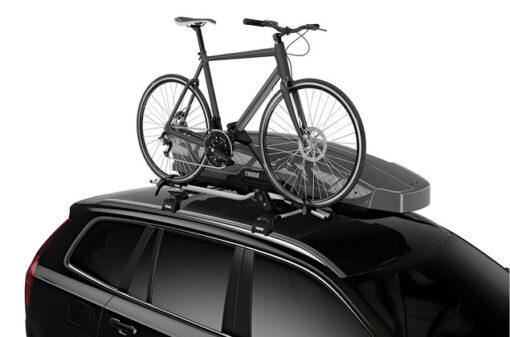 Thule Motion XT Sport Silver op auto met fiets