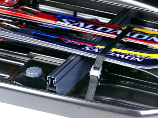 Thule ski carrier 694700 close up