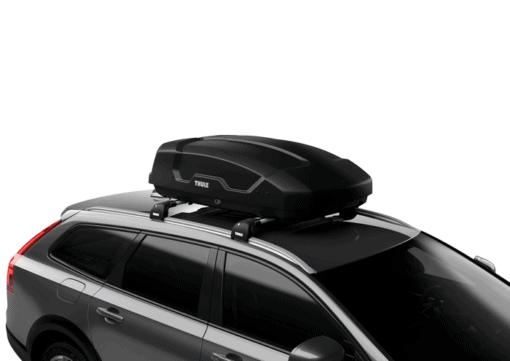 Thule Force XT S schuin op auto
