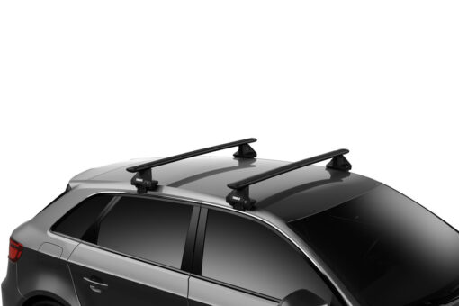 Thule Evo Clamp met WingBar Evo Black compleet op auto